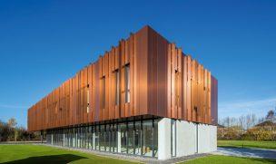 Bürogebäude in Isnes