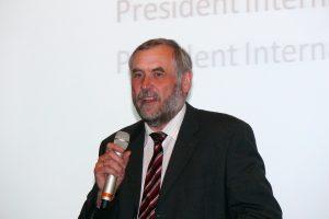 Roland Appl verabschiedet sich vom Gründach-Markt