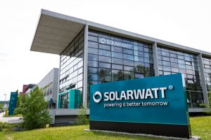 Solarwatt erhält Gütesiegel von TÜV Süd