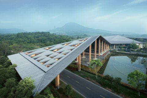 Imposante Dachlandschaft aus Zink
